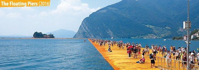 Das Bild zeigt das Kunstwerk 'The floating piers'